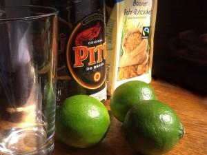 Zuckerrohrschnaps und Limonen