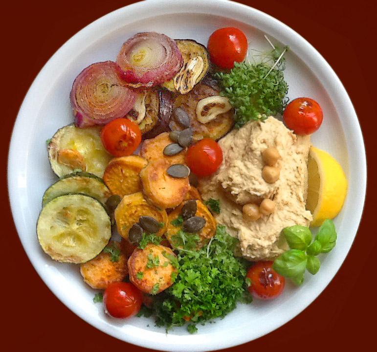 Vegan: Hommus mit gegrilltem Gemüse
