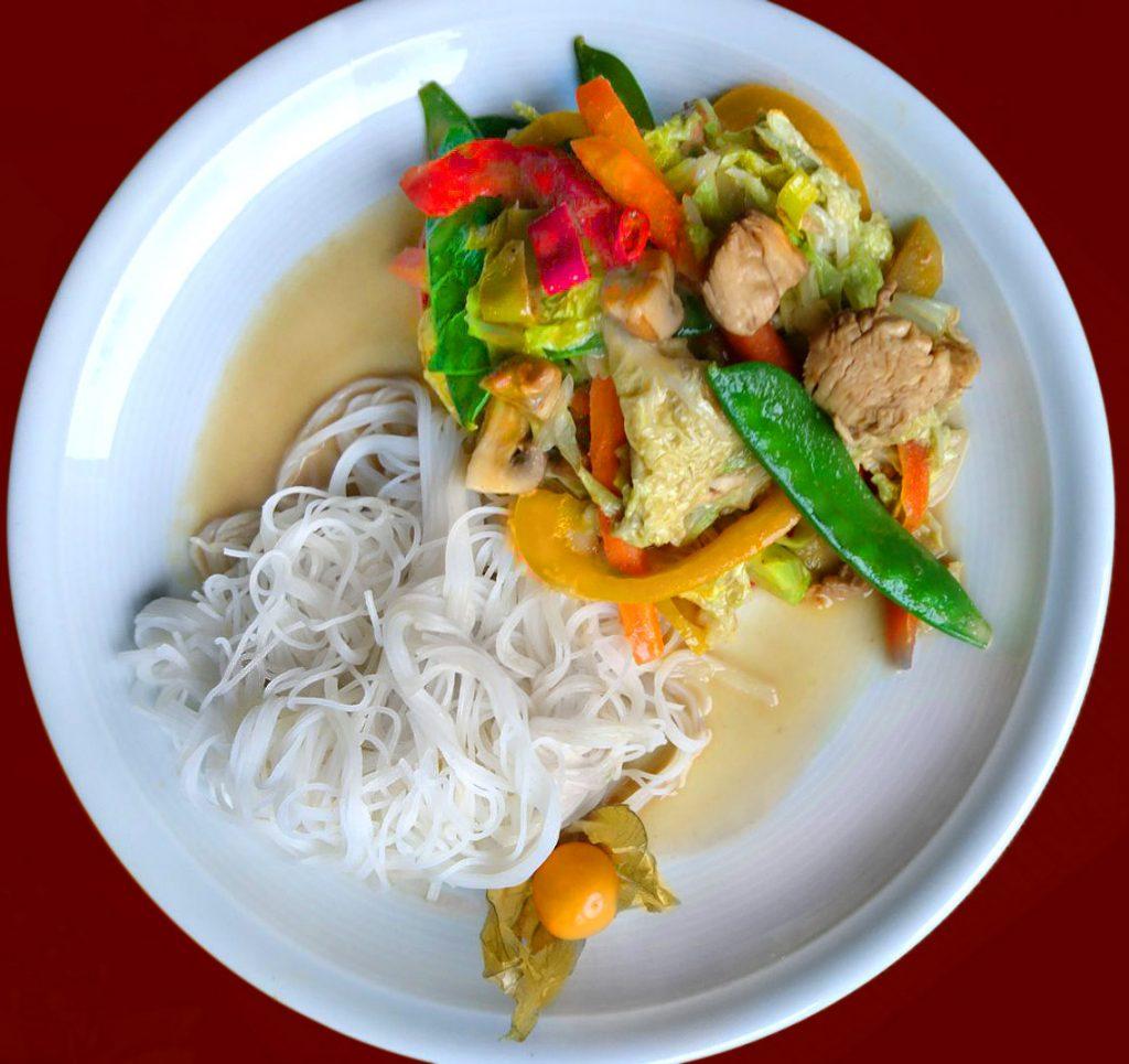 Reisnudeln mit Thai Huhn