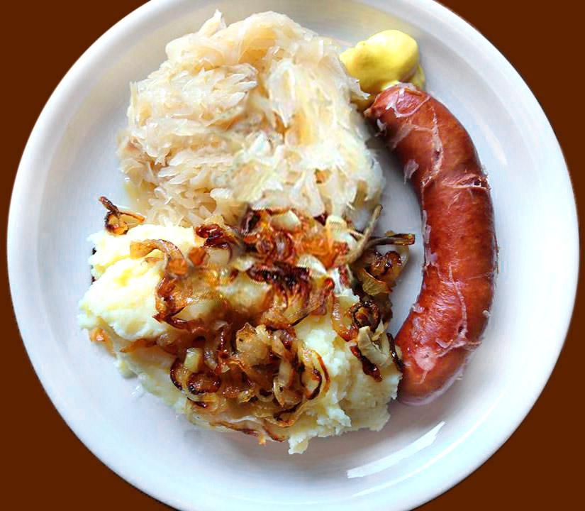 Sauerkraut mit Kartoffelpüree und Frankfurter Rindswurst